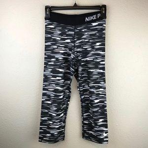 Nike Pro Black White Gray Camo Cropped Leggings S